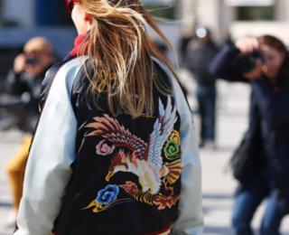куртка бомбер с вышивкой
