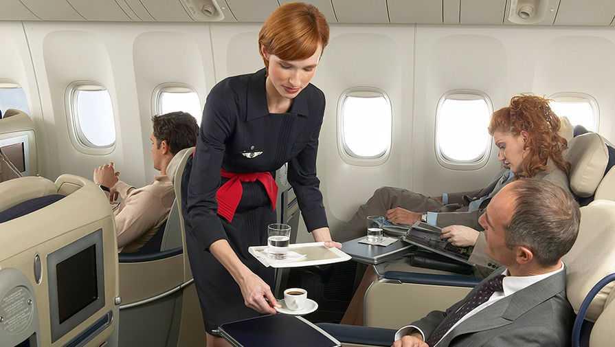 Всегда на высоте: красивая форма стюардесс мира